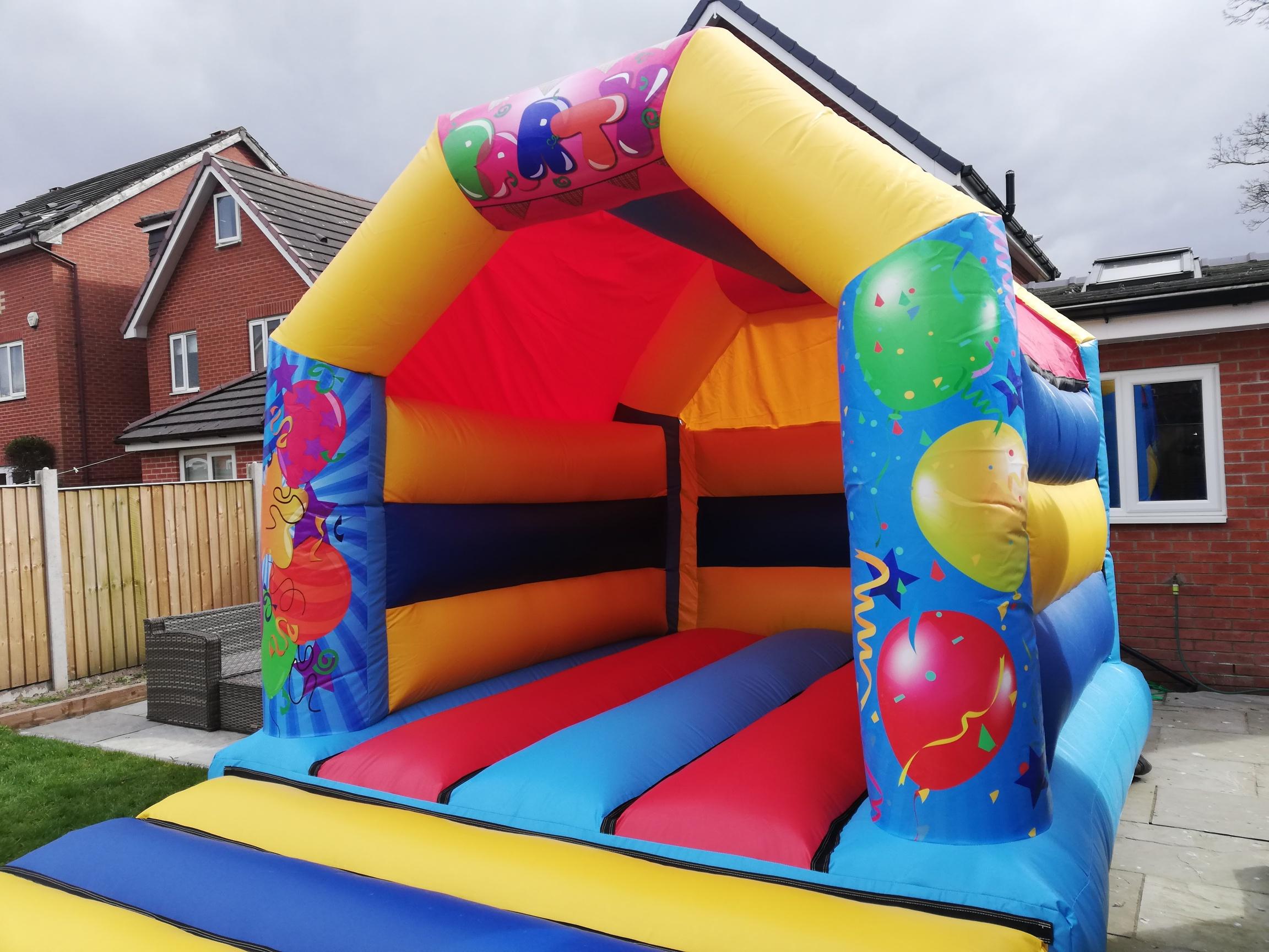 Balloon Bouncy castle